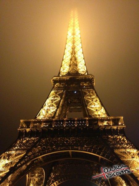 La tour Eiffel apres une soiree au Shangri-La Hotel (3)
