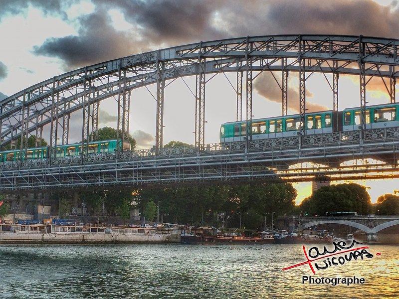 paris-bord-de-seine-port-de-la-rapee-14
